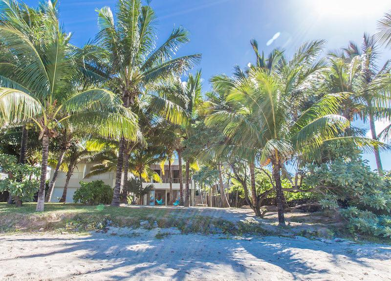 Villa Tourteaux in Mauritius on the beach